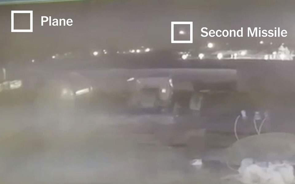 Νέο βίντεο ντοκουμέντο: Δύο ρουκέτες έπληξαν το ουκρανικό Boeing