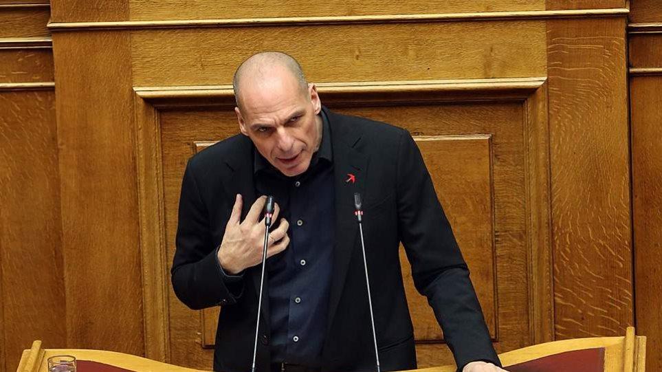 Βόμβα Βαρουφάκη: Κατέθεσε στη Βουλή τις ηχογραφήσεις των Eurogroup του 2015