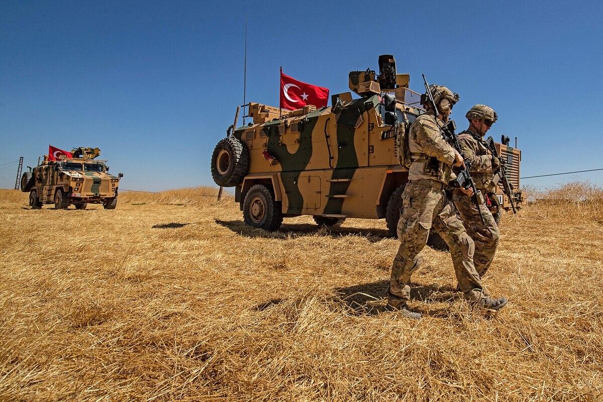 Οι Τούρκοι μεταφέρουν στρατό από τον Έβρο στη Συρία