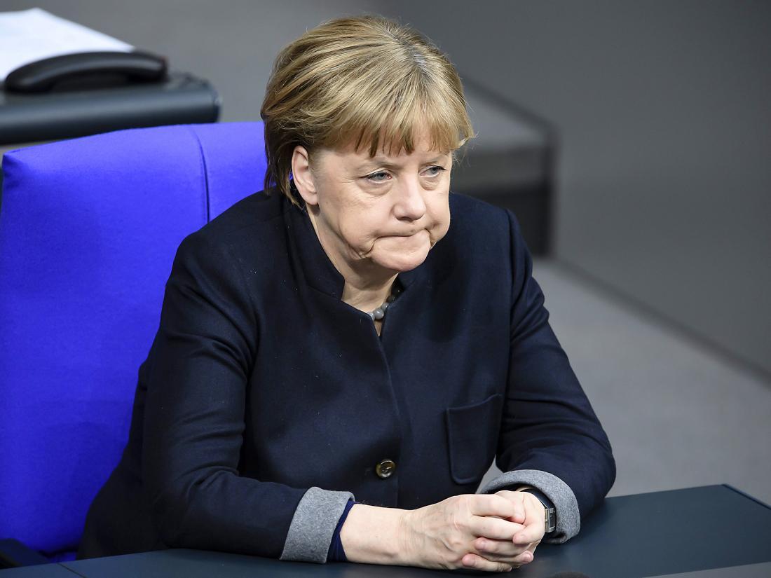 Η Μέρκελ που ήθελε όλη η Ευρώπη να γυρίζει γύρω της, έφερε αυτή τη φορά και την ακροδεξιά στο προσκήνιο