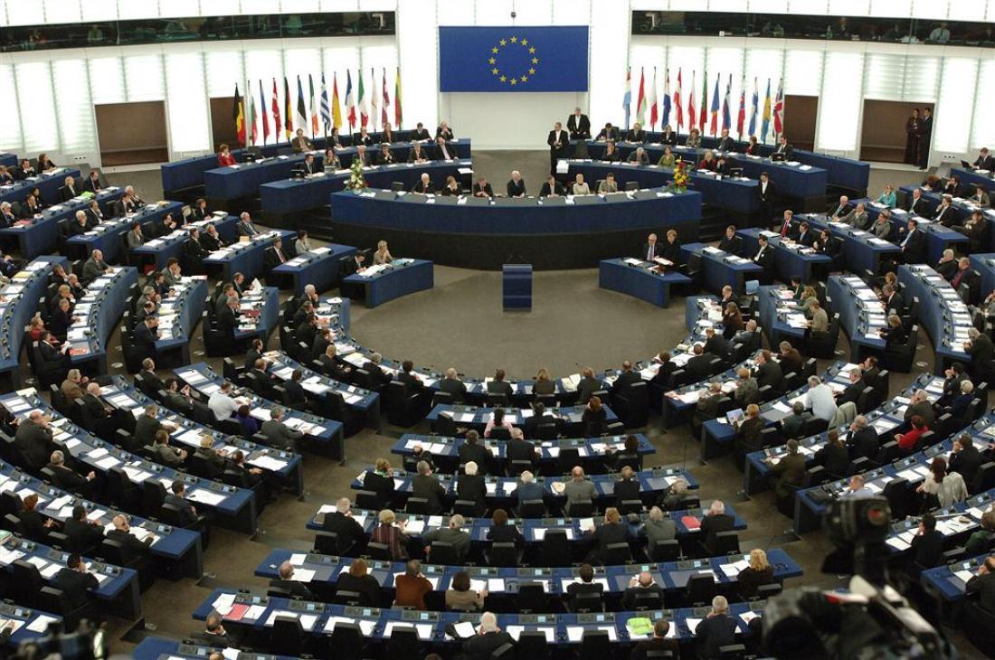 Σκάνδαλο με μαϊμού συνεργάτες Ελλήνων Ευρωβουλευτών διερευνάται σε βάθος