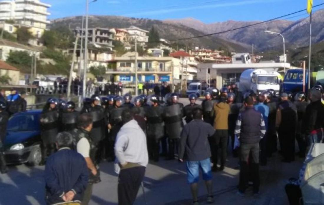 Εισβολή 3.000 αστυνομικών στη Χειμάρρα - Ο Ράμα γκρεμίζει τα σπίτια των ομογενών