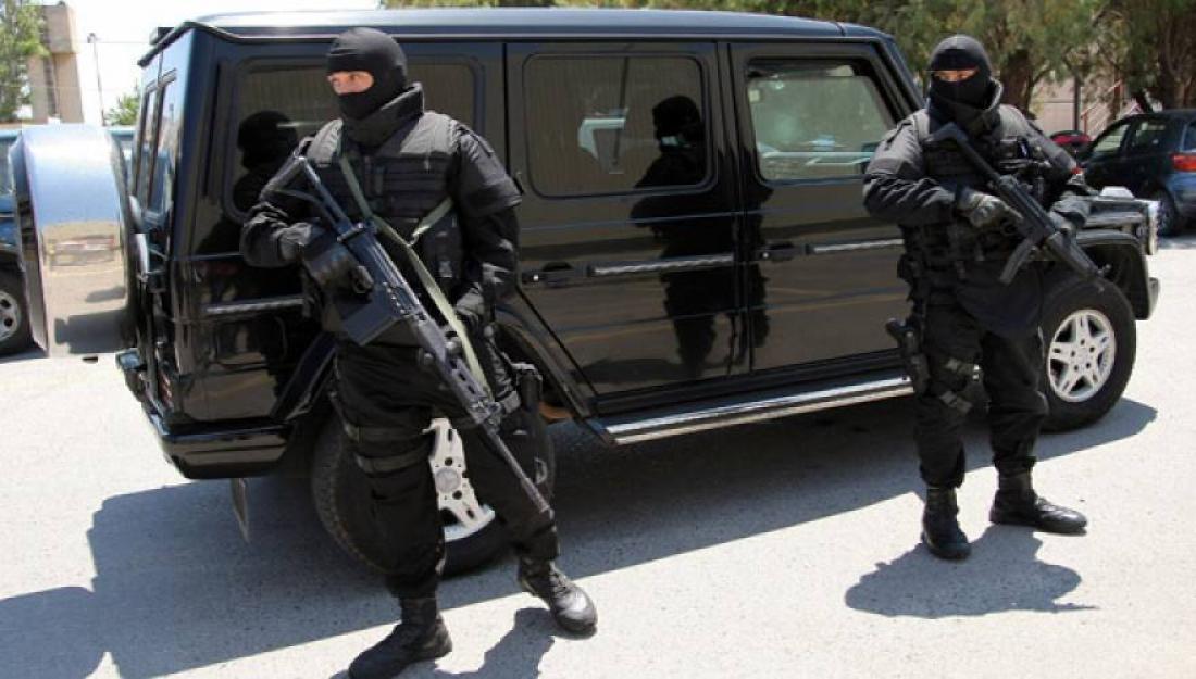 Τρομοκρατία: Έρευνες σε τρία σπίτια απο την Αντιτρομοκρατική, μετά τη σύλληψη του 29χρονου για τα τρομοδέματα