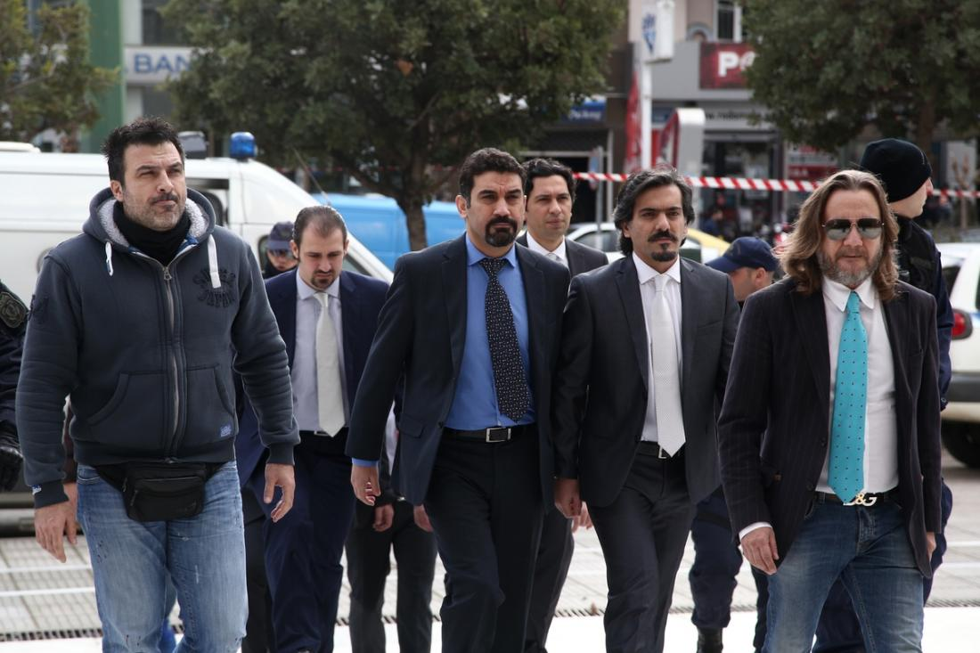 Ελεύθερος με περιοριστικούς όρους ο ένας από τους 8 Τούρκους Στρατιωτικούς