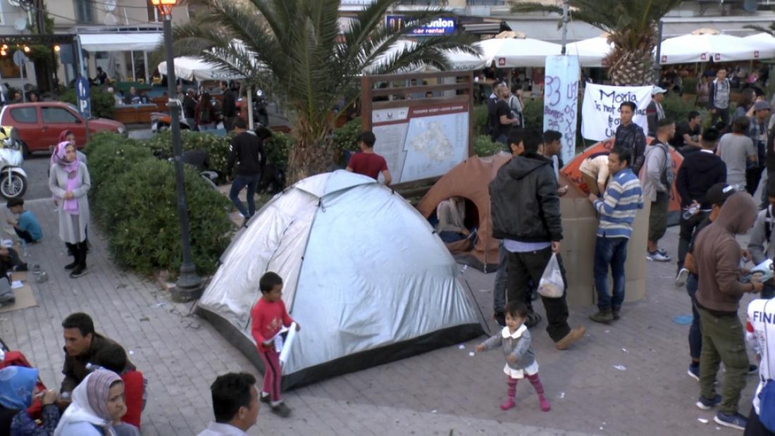 Μυτιλήνη: Συνεχίζεται η κατάληψη της πλατείας Σαπφούς, από πρόσφυγες και μετανάστες