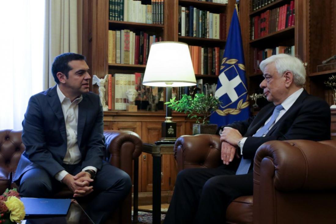 Ο Πρωθυπουργός ενημερώνει τον Πρόεδρο της Δημοκρατίας για την ονομασία των Σκοπίων