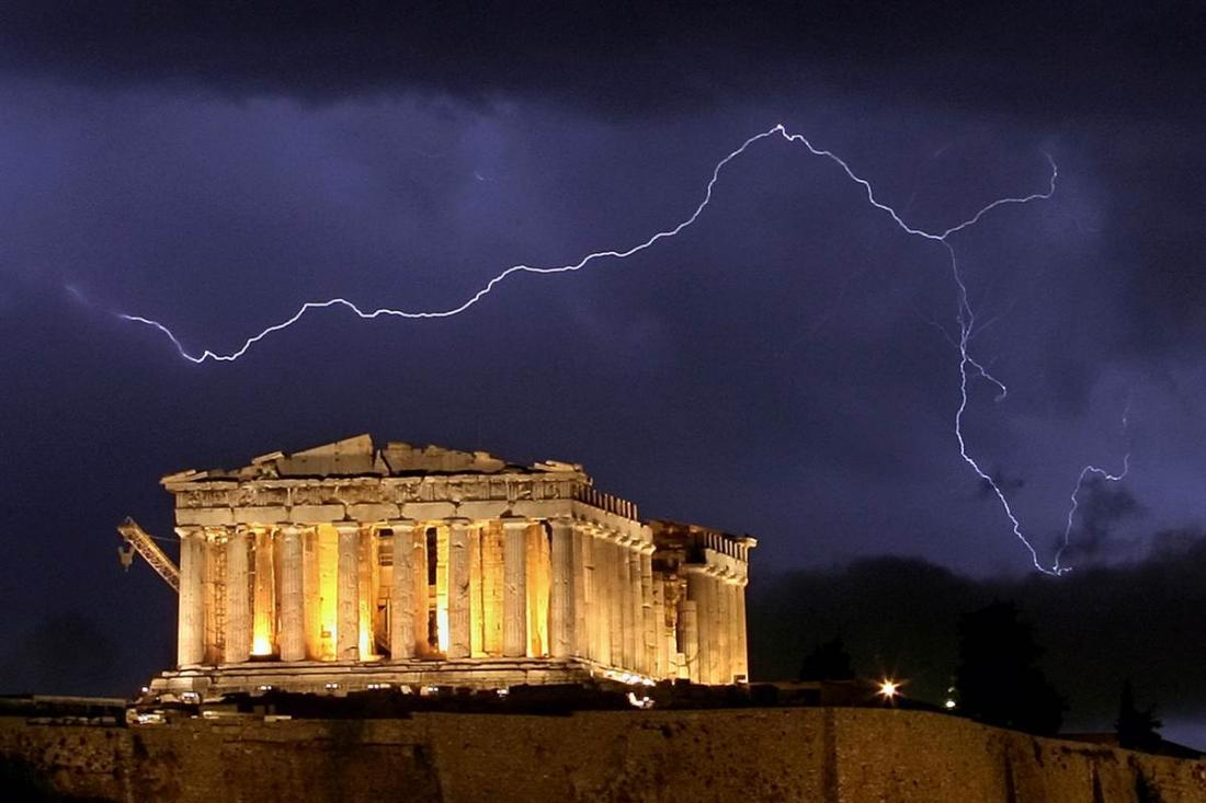 Σήμα κινδύνου: Με φτώχεια απειλείται το 33% των Ελλήνων