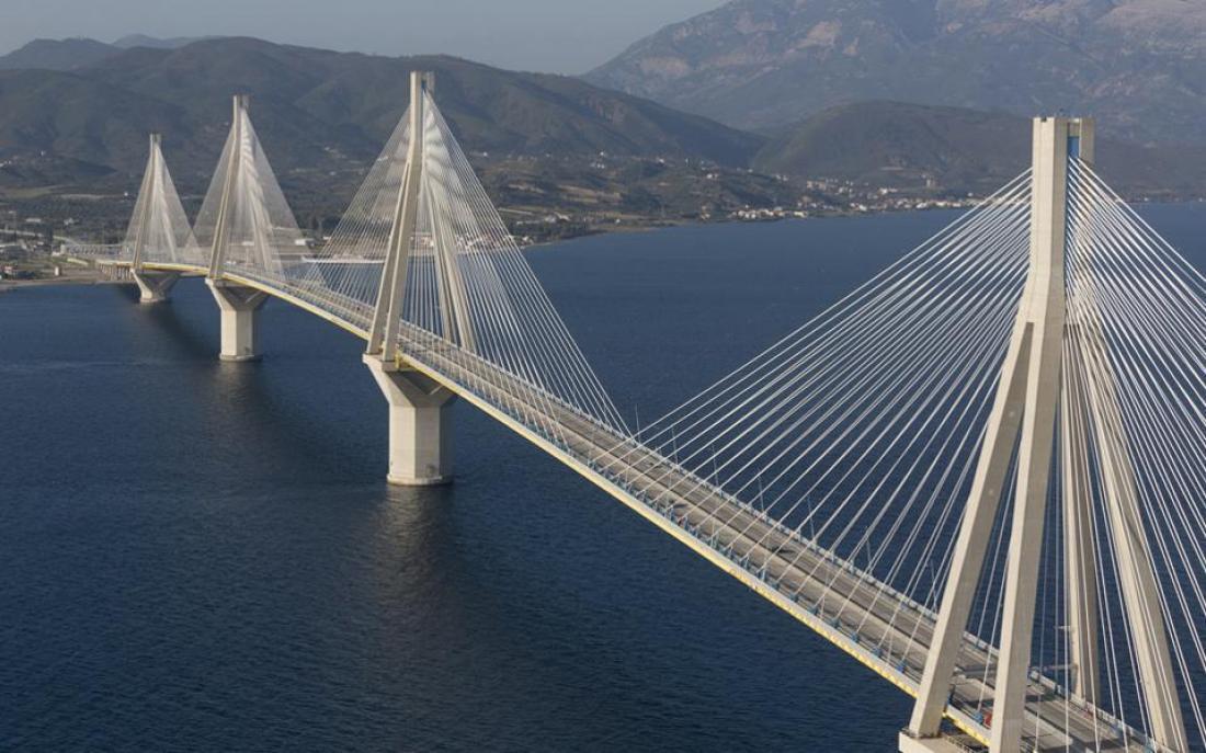 Αποτέλεσμα εικόνας για Τι έγινε σαν σήμερα το 2004 στη γέφυρα Ρίου – Αντιρρίου