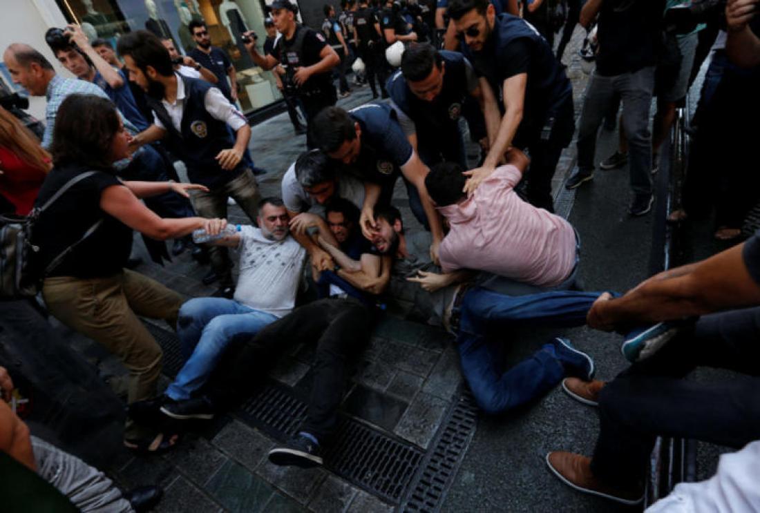 Το καθεστώς Ερντογάν πραγματοποίησε άγρια καταστολή διαδήλωσης μανάδων και συγγενών πολιτικών ακτιβιστών που έχουν εξαφανιστεί εδώ και χρόνια (ΦΩΤΟ-ΒΙΝΤΕΟ)