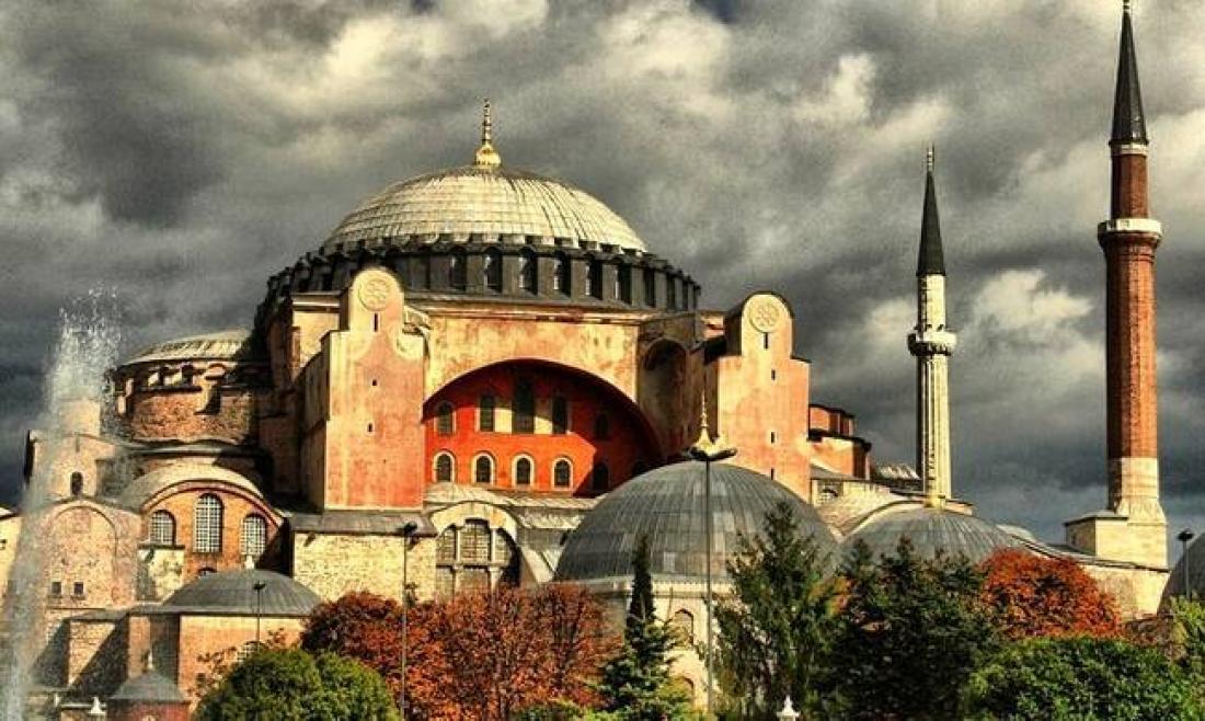 Απόφαση για το αν θα ανοίξει η Αγιά Σοφία σε μουσουλμανική προσευχή, θα λάβει την Πέμπτη το Συνταγματικό Δικαστήριο της Τουρκίας