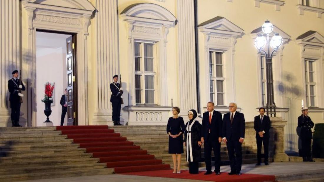 Ο Ερντογάν «φτύνει» τους Γερμανούς μέσα στην πατρίδα τους: Τους ταυτίζει με τρομοκράτες