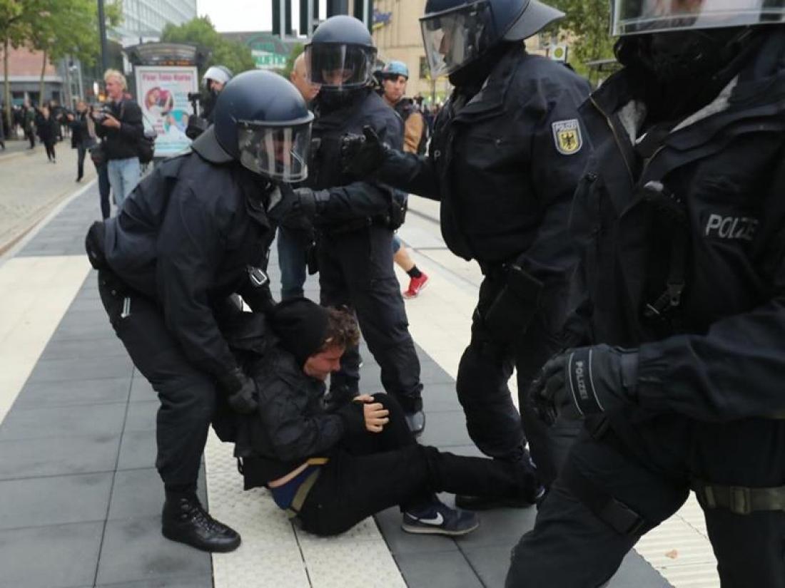 Γερμανία: 9 τραυματίες από τις συγκρούσεις στο Κέμνιτς
