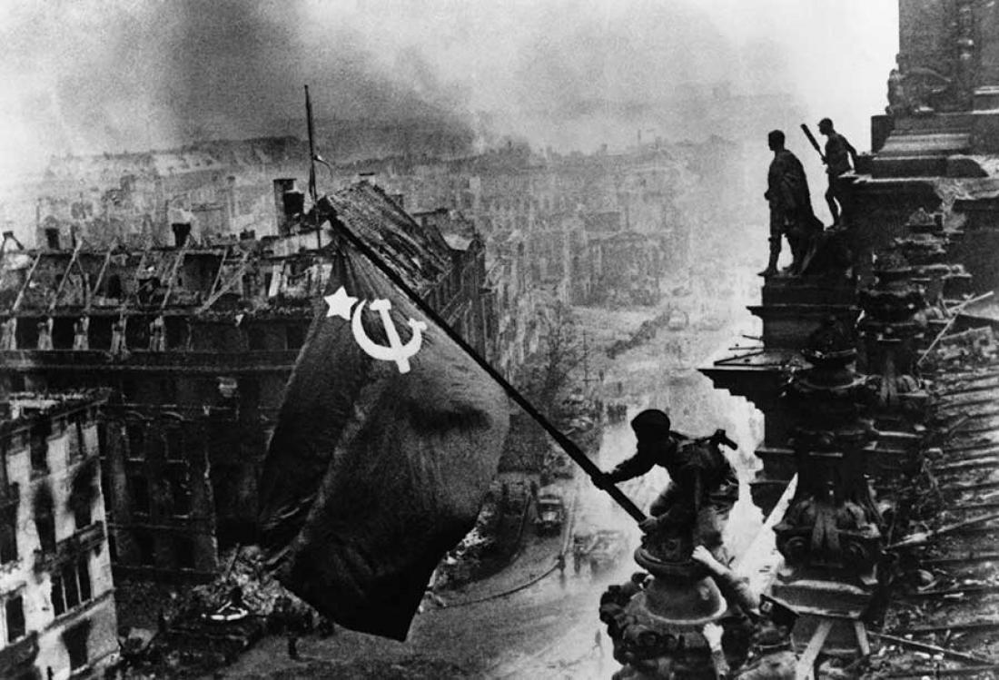Σαν σήμερα19 Νοεμβρίου 1942 οιΣοβιετικοί περνούν στην αντεπίθεση στο Στάλινγκραντ