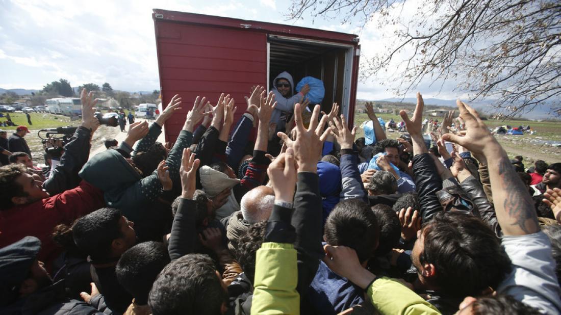 Βίντεο - ντοκουμέντο: ΜΚΟ εκπαιδεύει 15.000 μετανάστες στην Ελλάδα να υποδύονται τους... Χριστιανούς για να πάρουν άσυλο