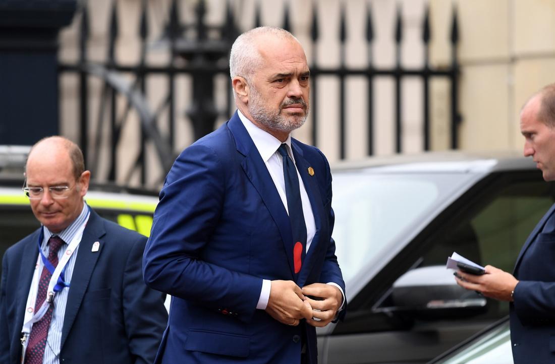 Ασφυκτικές οι πιέσεις στα χωριά της Βορείου Ηπείρου την ίδια στιγμή που στην Αλβανία αλληλοκατηγορούνται τα κόμματα για υπόθαλψη των συμμοριών που καλλιεργούν και διακινούν ναρκωτικά