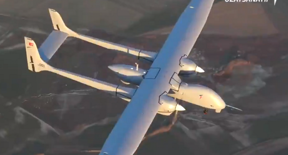 Οι Τούρκοι παρουσιάζουν νέο βομβαρδιστικό UAV Aksungur - Ζητείται ελληνική απάντηση (video)