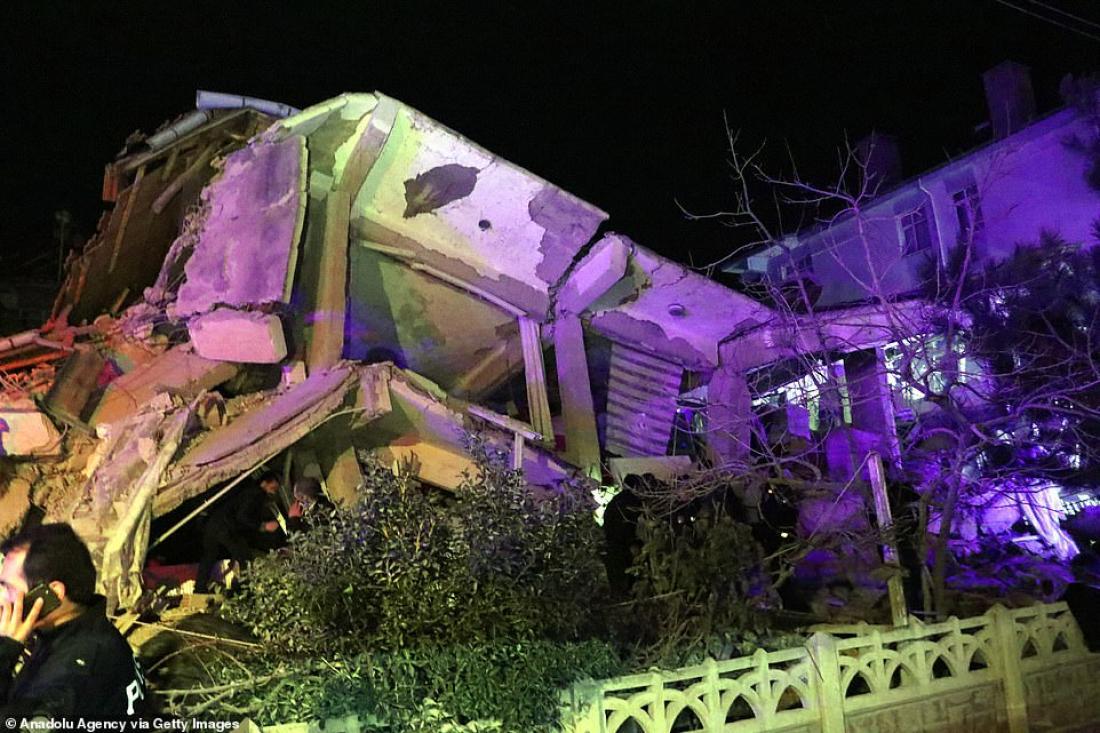 Αυξάνει δραματικά ο αριθμός των νεκρών από το φονικό σεισμό στην Τουρκία (ΒΙΝΤΕΟ - ΦΩΤΟ)