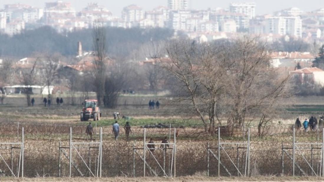 Spiegel: Η Τουρκία κατηύθυνε τα επεισόδια στον Έβρο