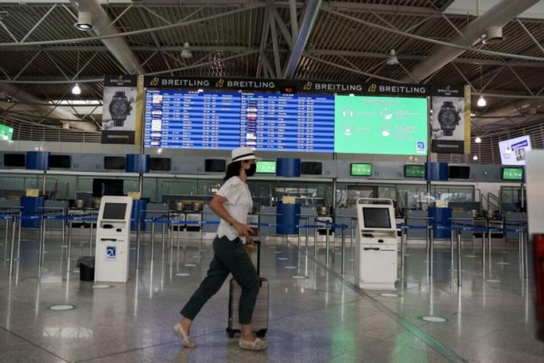 Τουρίστες με barcode και φόρμα εντοπισμού από 1η Ιουλίου οπότε ανοίγουν αεροδρόμια και λιμάνια