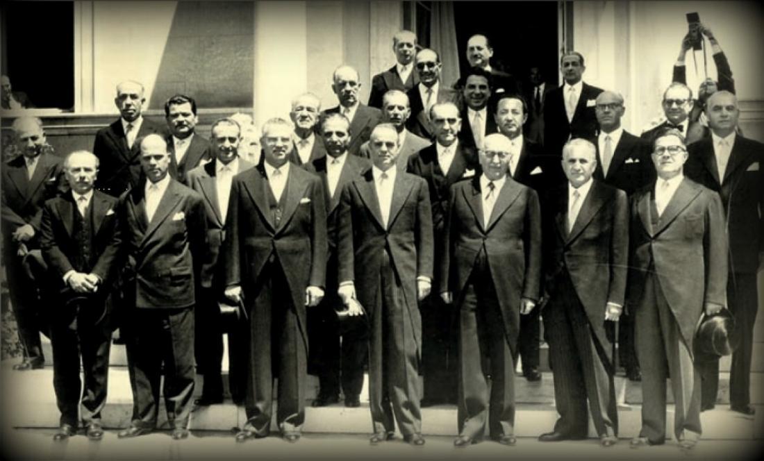 Σαν σήμερα 6 Οκτωβρίου 1955 ο Κων/νος Καραμανλής ορκίζεται πρώτη φορά πρωθυπουργός