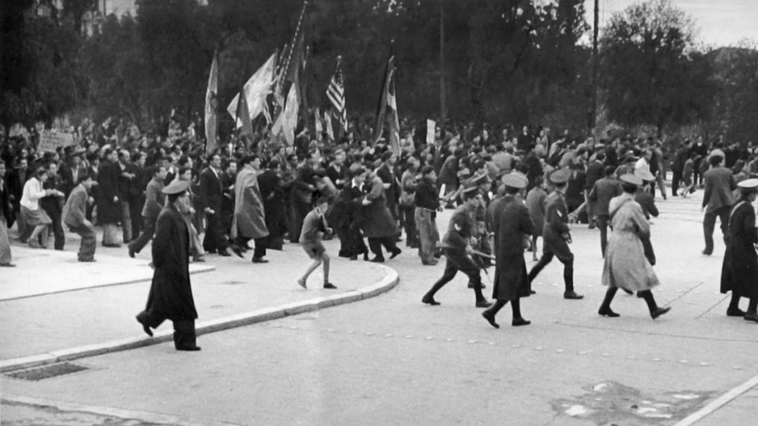 Σαν σήμερα3 Δεκεμβρίου 1944 ξεκινούν τα Δεκεμβριανά στην Αθήνα