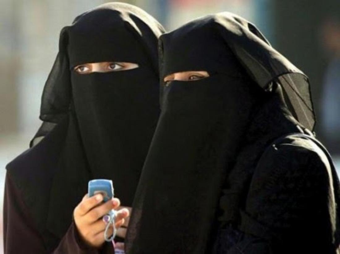 Καταγγέλλουν καταστήματα ρούχων για μουσουλμάνες πως προωθούν τον ισλαμικό  εξτρεμισμό! 73deb35d8a2