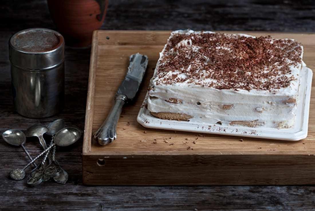 Το απόλυτο γλυκό της Κυριακής είναι αυτό το τιραμισού με σοκολάτα από την Αργυρώ