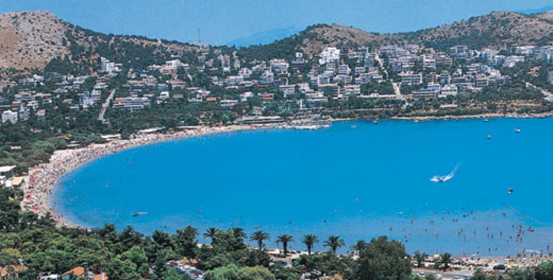 Συνελήφθη 19χρονος Αλγερινός για κλοπές από λουόμενους σε παραλίες της Βουλιαγμένης