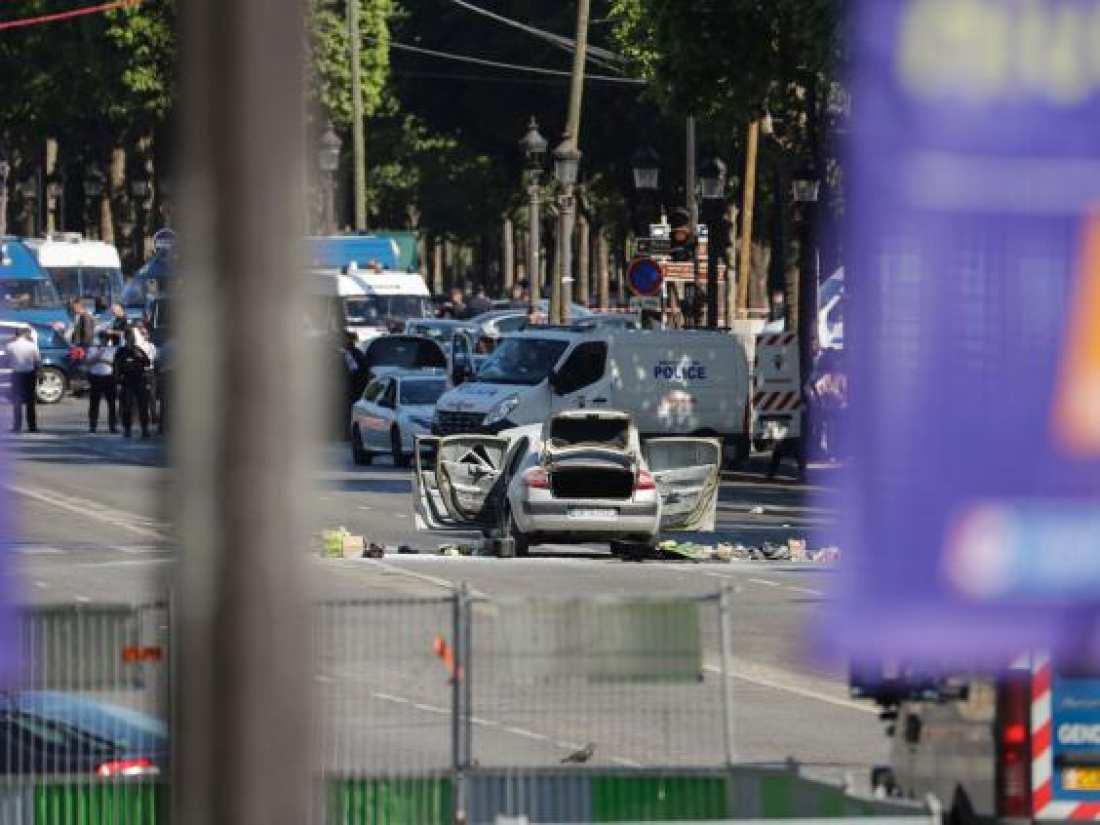 Γαλλία: Όπλα και εκρηκτικά βρέθηκαν μέσα στο όχημα του δράστη που εμβόλισε βαν της Αστυνομίας