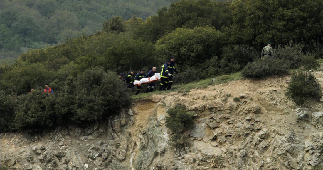 Αποτέλεσμα εικόνας για Πτώση ελικοπτέρου Χιούι στην Ελασσόνα: