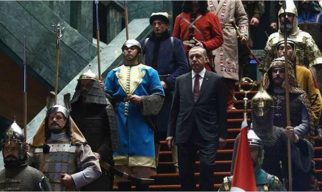 """""""Καραγκιοζ Μπερντέ""""-Γιλντιρίμ για Ερντογάν: Θυμηθείτε τον Μωάμεθ τον Πορθητή που κατέκτησε την Κωνσταντινούπολη!"""
