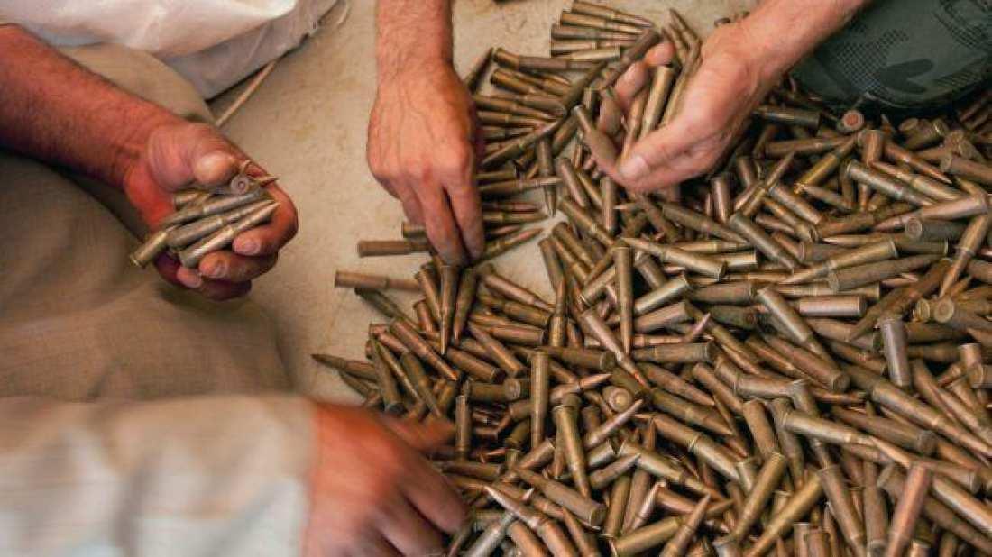 Περισσότερες από 1.000 σφαίρες καλάσνικοφ εντοπίστηκαν σε τσουβάλια στην Κόνιτσα