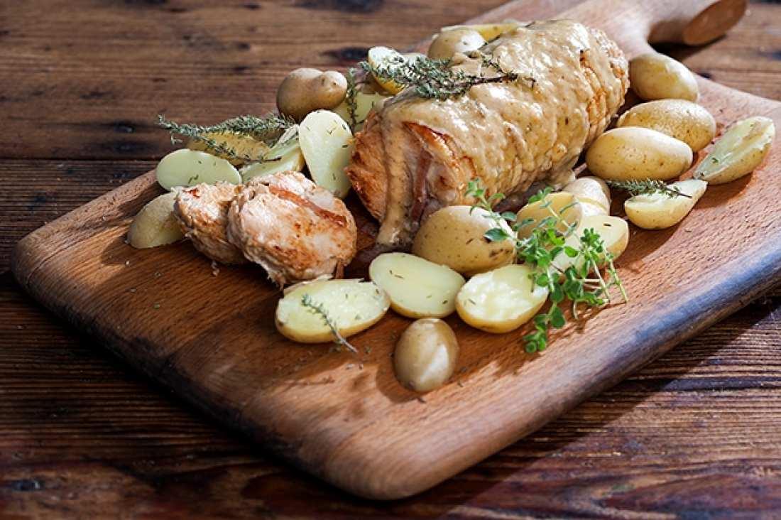 Σήμερα η Αργυρώ μαγειρεύει κοτόπουλο ρολό με σάλτσα μουστάρδας