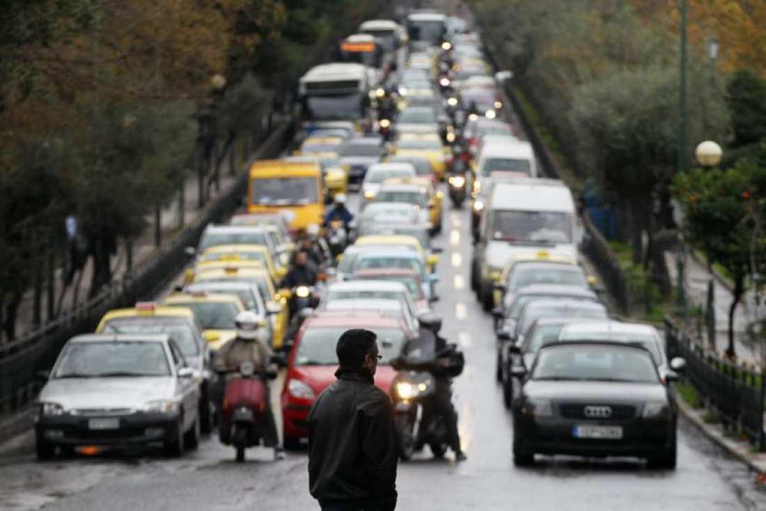 Κυκλοφοριακά προβλήματα στους δρόμους της Αθήνας λόγω βροχής