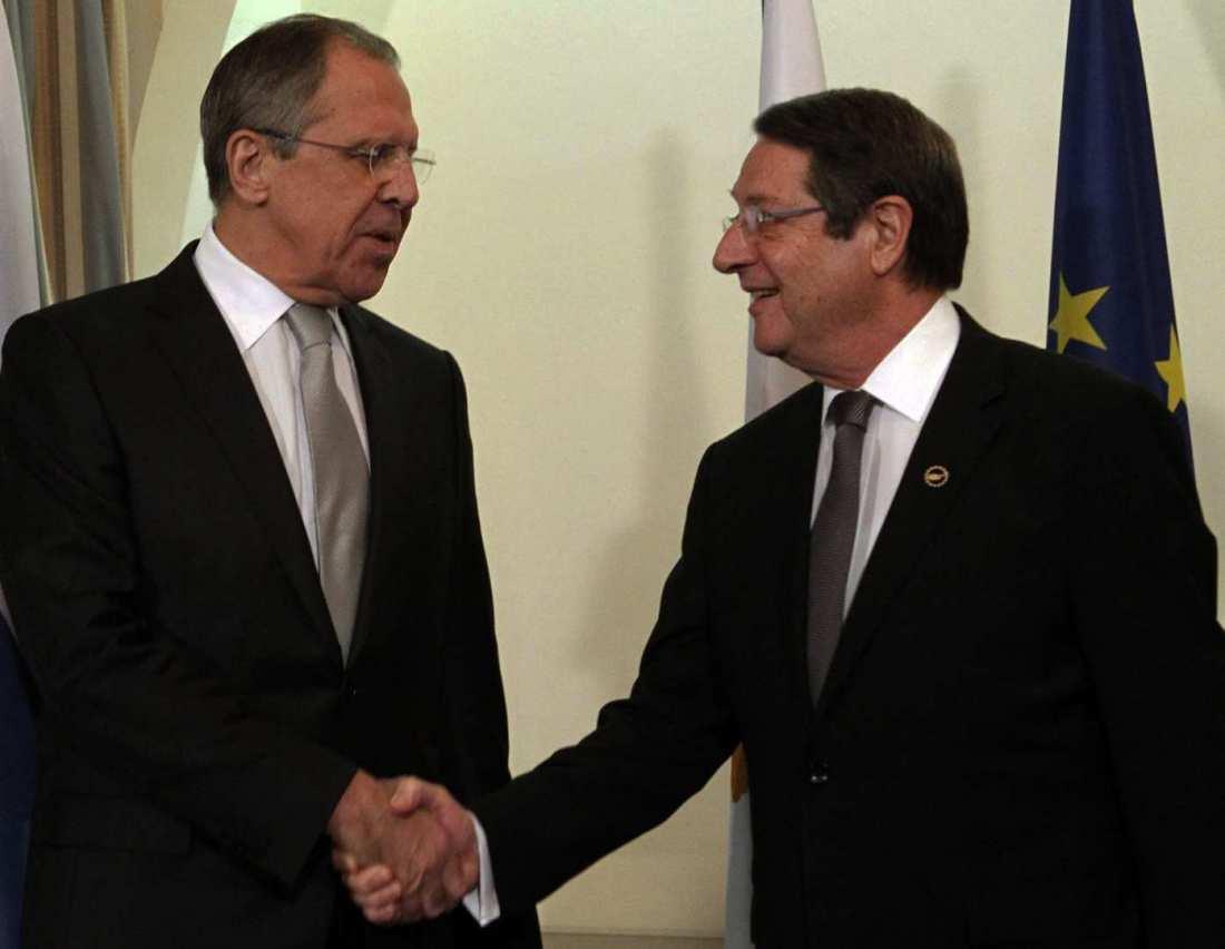 Την στήριξη της Μόσχας για λύση του Κυπριακού επαναβεβαίωσε ο Λαβρόφ προς τον Αναστασιάδη