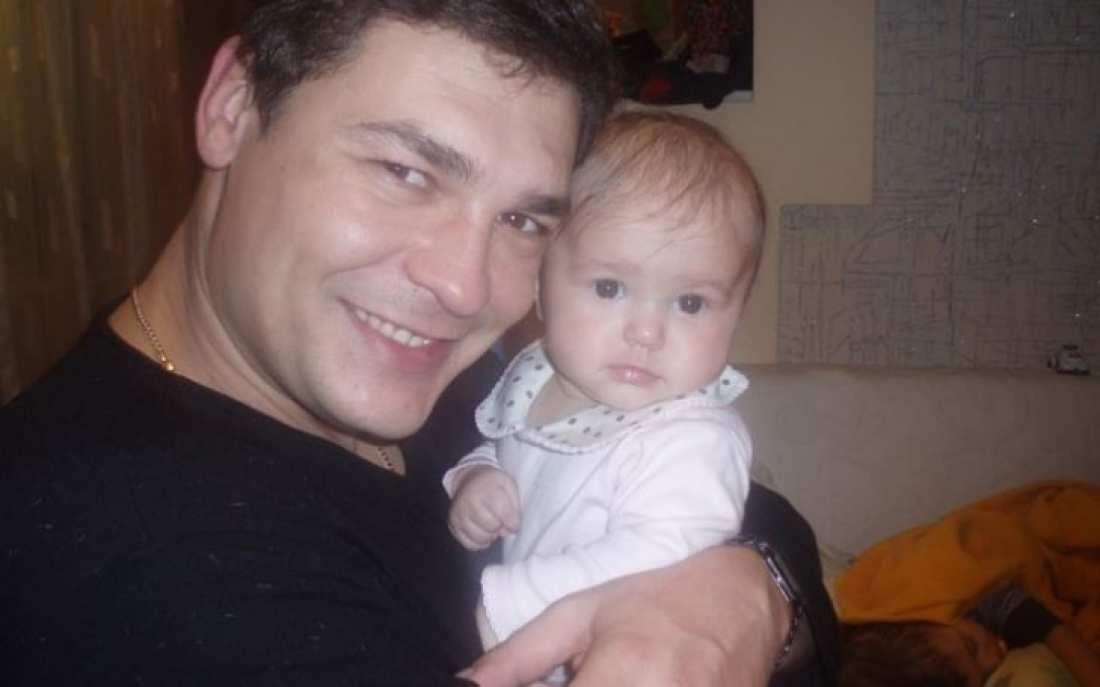 Θαύμα: Μωράκι έπεσε στην πισίνα και πέθανε...Χάρη στην επιμονή του πατέρα της άρχισε ξανά να αναπνέει!