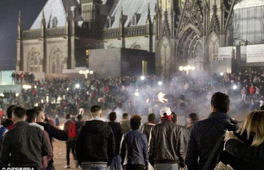 Νέα επεισόδια με μετανάστες στην Στουγκάρδη και καταγγελίες για σεξουαλικές παρενοχλήσεις