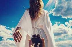 Ποιοι θα ερωτευτείτε κάτω από την λάμψη της Αυγουστιάτικης Πανσελήνου