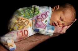 Συνελήφθη μία 55χρονη Βουλγάρα η οποία επί 3 χρόνια έφερνε εγκύους στην Ελλάδα και πωλούσε τα βρέφη τους