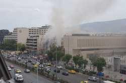 ΕΚΤΑΚΤΟ: Μεγάλη φωτιά στη Συγγρού, στο ύψος της Καλλιθέας (ΦΩΤΟ)