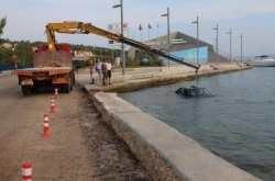 Τρελή πορεία για αυτοκίνητο που έπεσε στη θάλασσα στο Αργοστόλι (ΦΩΤΟ)
