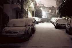 Ο... άγριος καιρός παραμένει: Χιόνια, κρύο, βροχές και καταιγίδες την Τρίτη στην Ελλάδα