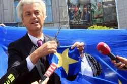 Προηγείται στην Ολλανδία ο ακροδεξιός Βίλντερς σύμφωνα με τις δημοσκοπήσεις