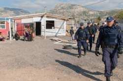 Έφοδος της ΕΛ.ΑΣ. στον καταυλισμό Ρομά του Ασπροπύργου