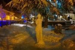 Η Αφροδίτη της ..Φλώρινας φτιαγμένη από χιόνι