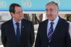 Κυπριακό: Ξεκινούν ξανά οι απευθείας διαπραγματεύσεις Αναστασιάδη-Ακιντζί