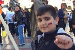 Πορεία μνήμης πραγματοποιούν Αρμένιοι της Θεσσαλονίκης (ΦΩΤΟ-ΒΙΝΤΕΟ)