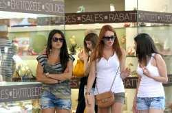 Θεσσαλονίκη: Ξεκινούν τη Δευτέρα οι θερινές εκπτώσεις-Προαιρετικά ανοιχτά τα καταστήματα την πρώτη Κυριακή