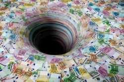 ΤτΕ: Στα 320 εκατ. ευρώ το έλλειμμα, το τελευταίο 5μηνο