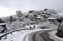 Έντονη χιονόπτωση στο Βόλο και το Πήλιο